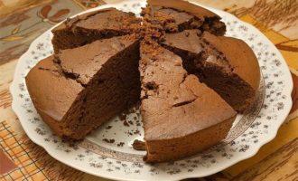 Пирог шоколадный на сметане