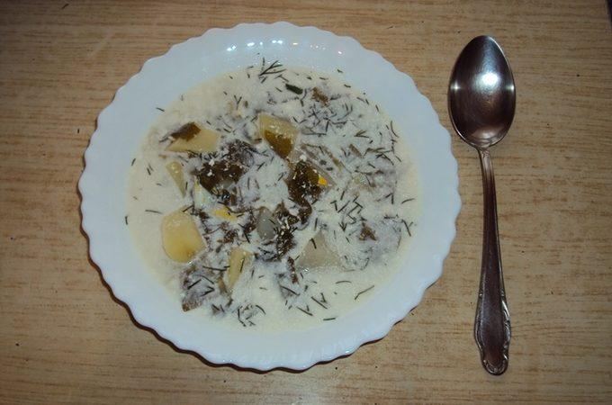 Суп Жульен с сыром и шпинатом