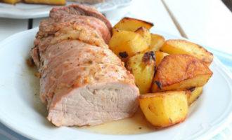 Сочная запеченная свинина с картофелем